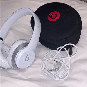 I am selling Beats headphones never used in white
